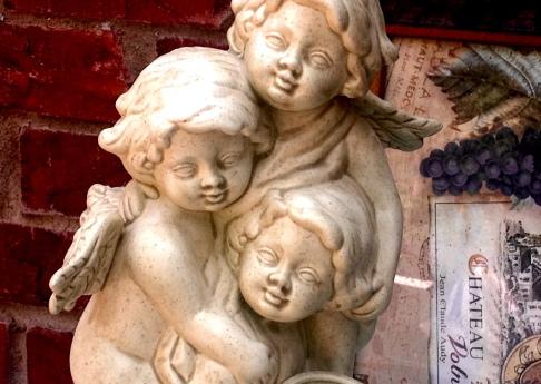 Tres Angels