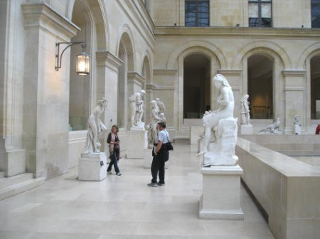 Visiting The Louvre in Paris (4/4)